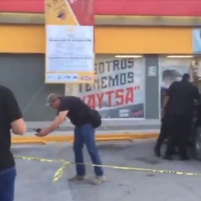 Sufre dos rozones de bala, pero evita despojo de su dinero por un par de atracadores