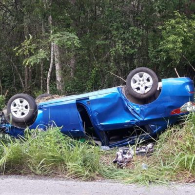 ACCIDENTE EN LA ZONA MAYA: Vuelca y abandona coche en Naranjal