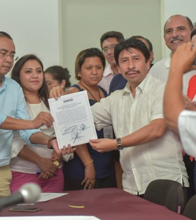 Víctor Mas recibe constancia de mayoría como presidente municipal de Tulum