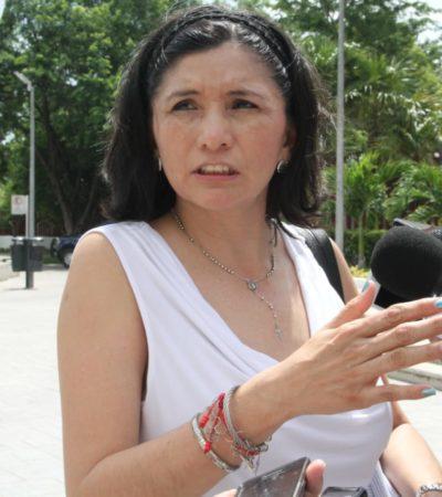 Comparece Mayra San Román Carrillo ante Juzgado de Distrito; audiencia se pospone por ausencia de un defensor