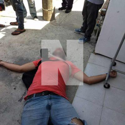 EJECUTAN A PEATÓN EN LA 115 DE PLAYA: Hombres a bordo de un vehículo disparan contra un hombre en la colonia Ejidal; suman tres casos en el día