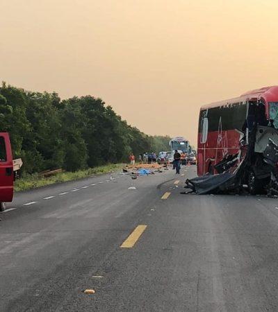ACCIDENTE EN LA CARRETERA: Autobús de ADO que salió de Cancún rumbo a Veracruz choca contra camioneta en Bacalar con saldo de un muerto
