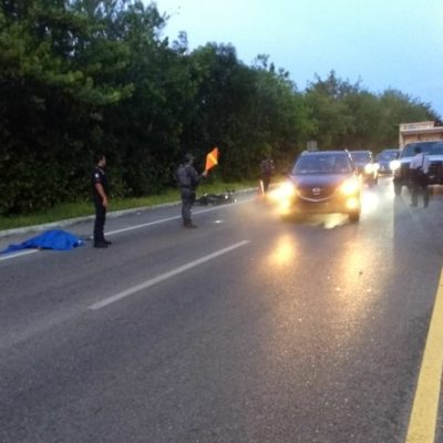 Muere motociclista al chocar contra camioneta de Fonatur en el kilómetro 23 de la Zona Hotelera de Cancún