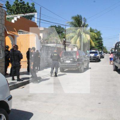 Fuerte operativo policiaco en la Región 95 por reporte de personas armadas, pero no se halló a nadie