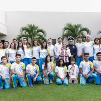 Reconoce Cristina Torres a jóvenes medallistas olímpicos de Solidaridad
