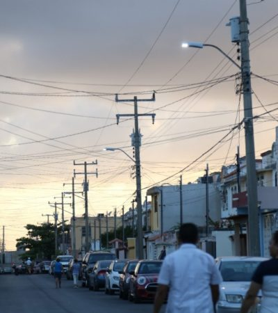 Más luminarias LED ya iluminan Cancún; se instalarán 52 mil