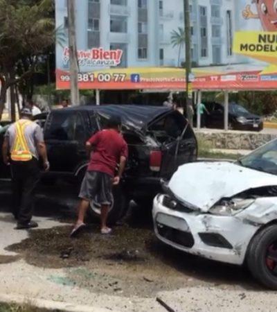 Accidente deja lesiona a dos personas en la Avenida Kabah