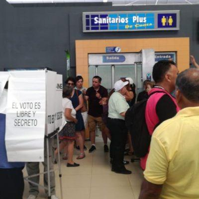 Casillas especiales desatan enojo ciudadano por quedarse sin funcionarios, antes de la jornada electoral, y sin boletas, antes de las 11 de la mañana