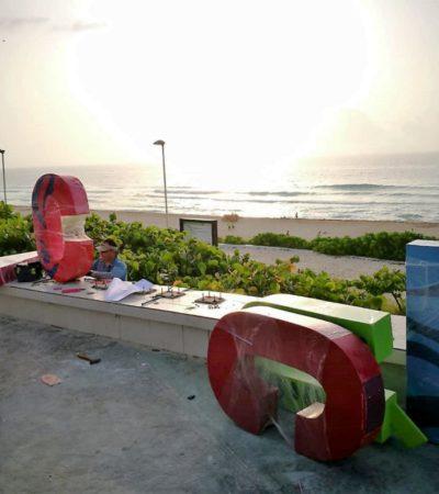 Colocan nuevas letras para 'la selfie' más recurrente en Cancún, en el mirador de Playa Delfines