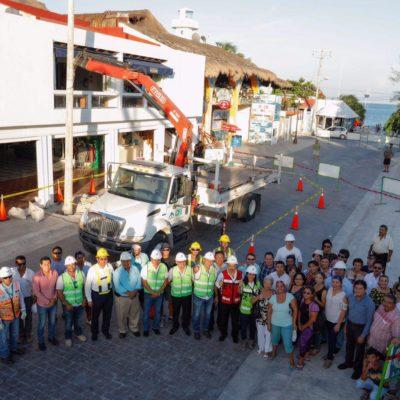Inicia retiro de postes en el casco antiguo de Puerto Morelos