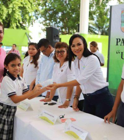 Ayuntamiento de Puerto Morelos concluye entrega de becas a estudiantes