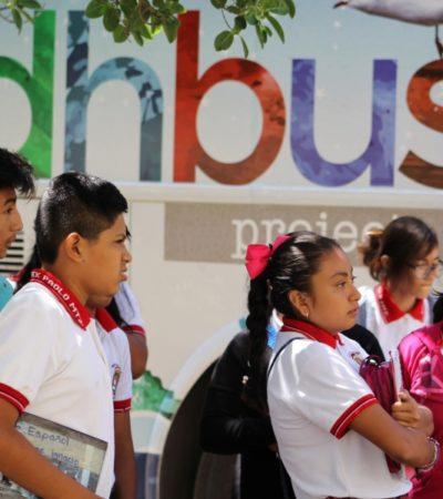 A través de talleres y actividades lúdicas, integrantes de DH Bus, buscan concientizar a niños y adultos de QR sobre temas de sostenibilidad, discriminación y adicciones