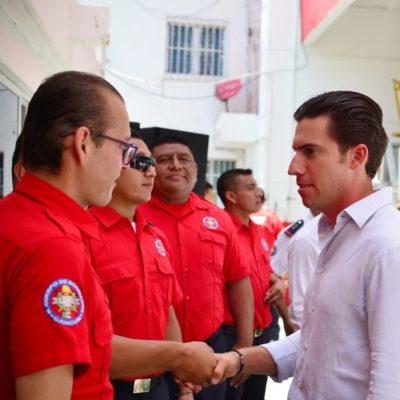 Reconocen, en el Día Nacional del Bombero, la labor de auxilio durante 42 años en Cancún