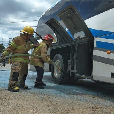 Autobús de personal registra conato de incendio en Felipe Carrillo Puerto