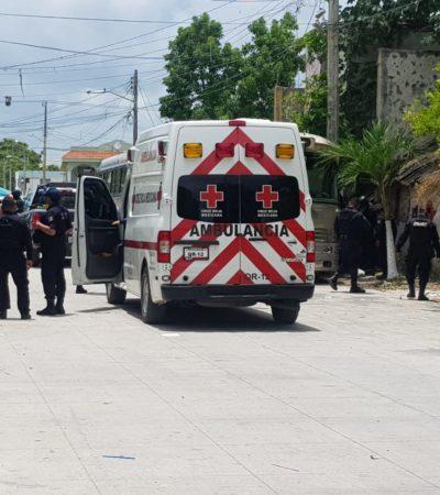 INTENTO DE EJECUCIÓN EN DOMINGO: Balean a una persona junto al tianguis dominical de la 76 en Cancún