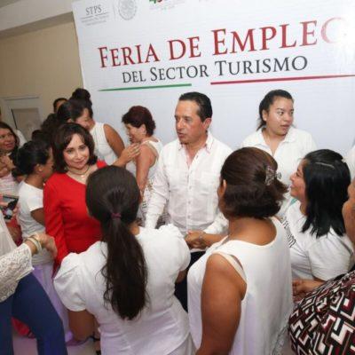 Inaugura Gobernador feria de empleos en Cancún