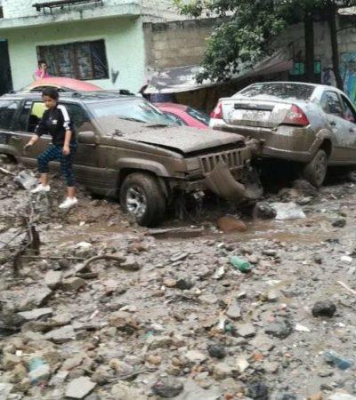 Deja lluvia vespertina graves estragos en Valle Dorado de Naucalpan en Edomex