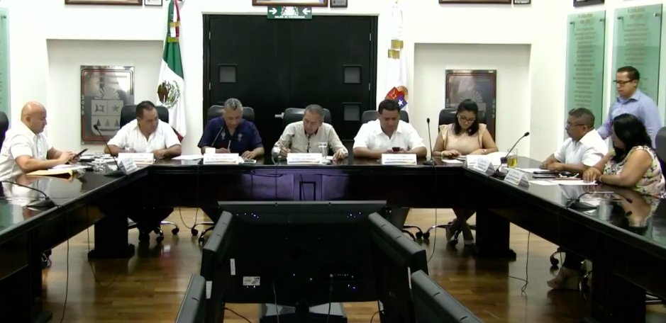 A poco más de un mes para dejar el cargo, presenta Cristina Torres al Congreso proyecto de decreto para ratificar concesión a 15 años de parquímetros en Playa