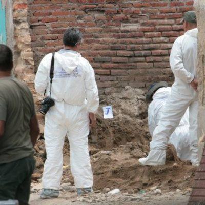 Suman 10 cuerpos hallados en fosa clandestina de Guadalajara y podrían encontrar aún más