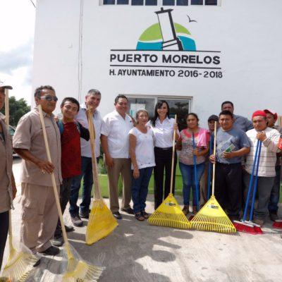 Entrega Alcaldesa material para reforzar servicios públicos en Leona Vicario
