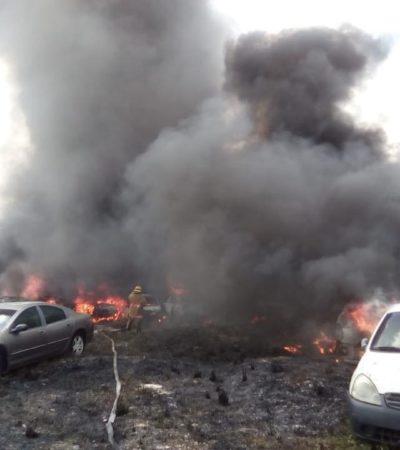 ARDE CORRALÓN EN CANCÚN: Incendio consume más de 30 vehículos; Ejército intenta contener las llamas