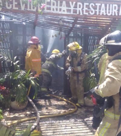 Sofocan incendio en restaurante chetumaleño