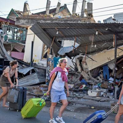 Deja terremoto 91 muertos en Indonesia; zonas turistas son evacuadas por alerta de tsunami