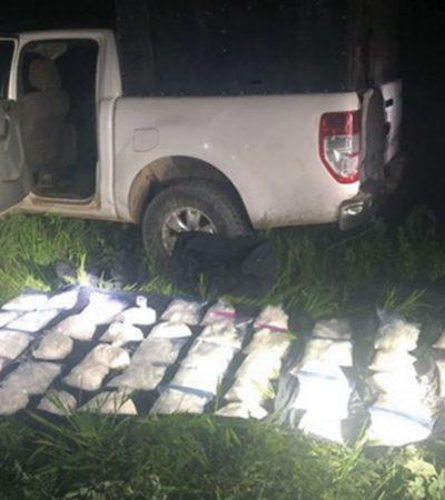 Abandonan 600 mdp en metanfetaminas dentro de una camioneta con las puertas abiertas en Jalisco