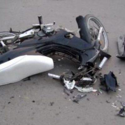 Sobrevive motociclista a choque contra auto, pero pierde una pierna y parte del glúteo