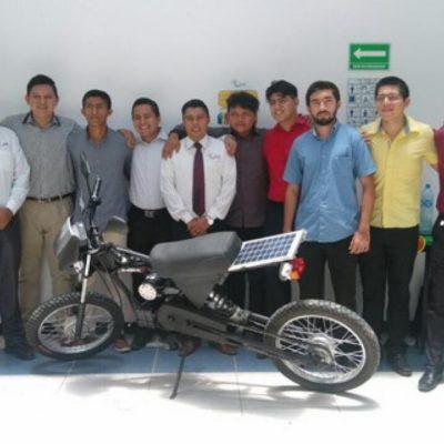 Diseñan universitarios politécnicos de Tapachula motocicleta que se mueve con energía solar