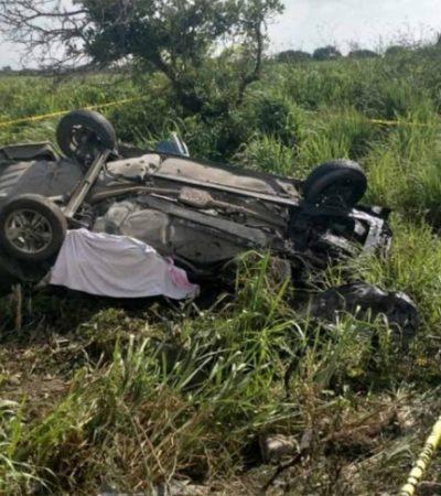 Choca familia contra tráiler cuando volvía de festejar los XV años de su hija; mueren siete