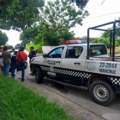 Balean a taxista que intentó defender a pasajera de un atraco; aún así la despojaron de 159 mil pesos