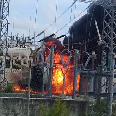 ESTALLIDO E INCENDIO EN SUBESTACIÓN DE LA CFE: Varias zonas de Cancún se quedan sin energía eléctrica por incidente sobre la Avenida Talleres