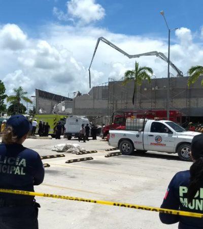 DERRUMBE EN EDIFICIO EN CONSTRUCCIÓN EN PUERTO MORELOS: Un muerto y 14 heridos, saldo preliminar del colapso en la  Plaza del Super Aki; buscan a trabajadores bajos los escombros