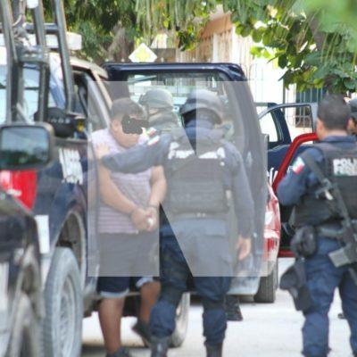 Vinculan a proceso a los dos presuntos extorsionadores detenidos en Cancún cuando pretendían cobrar derecho de piso a un restaurante de mariscos