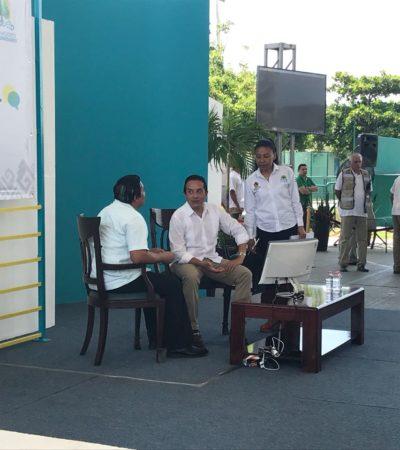 Tras seis meses de pausa por la veda electoral, retoma Carlos Joaquín audiencia pública 'Platícale al Gobernador' en Cancún