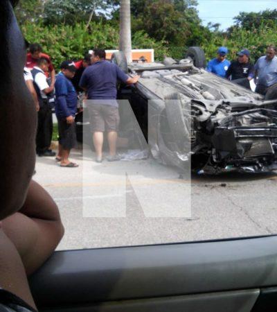 VOLCADURA EN LA CARRETERA: Saldo de tres personas heridas por aparatoso accidente la vía Playa-Tulum