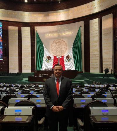 Recibe Luis Alegre Salazar su credencial como diputado electo de la LXIV Legislatura federal