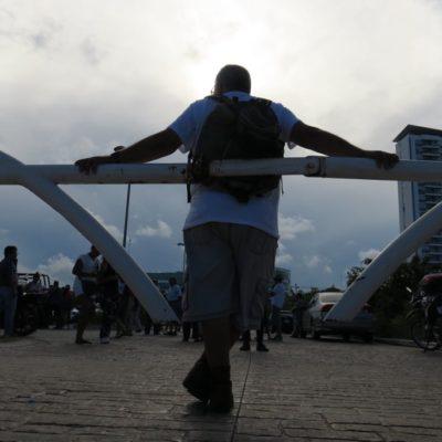 """""""ESTE LUGAR ESTÁ SECUESTRADO POR UNA PERSONA"""": Se confrontan activistas por apertura de accesos vehiculares a Malecón Tajamar en Cancún"""