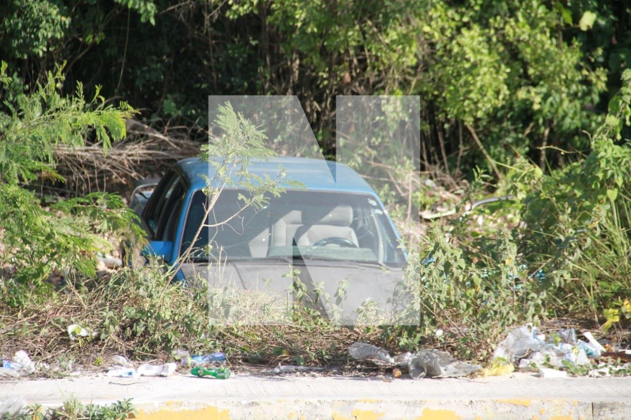 AMANECE CANCÚN CON TRES EJECUTADOS: Dejan dos cadáveres maniatados por la Avenida Politécnico en la Región 511 y aparece hombre baleado en vehículo por la colonia Valle Verde