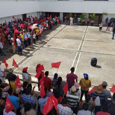 Se manifiestan antorchistas en la Secretaría de Educación, ante negativa de autoridades de regularizar centros educativos en sus asentamientos