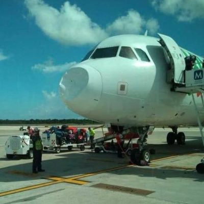 CHOCA AVIÓN CONTRA AVES: Inusual accidente en el aeropuerto de Cancún obliga a aeronave de Viva Aerobús a retornar