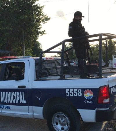 PRELIMINAR | Hallan a una mujer tirada en la calle en el fraccionamiento Las Palmas de Cancún y la trasladan a un hospital; la reportan grave