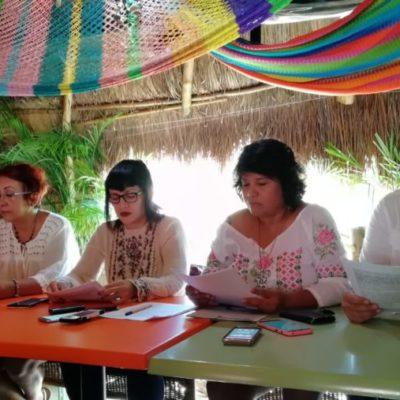 Ambientalistas, asociaciones civiles y empresarios exigen transparencia en el manejo de la contención del sargazo y en la contratación de Grupo Arco y Dakatso en Playa del Carmen