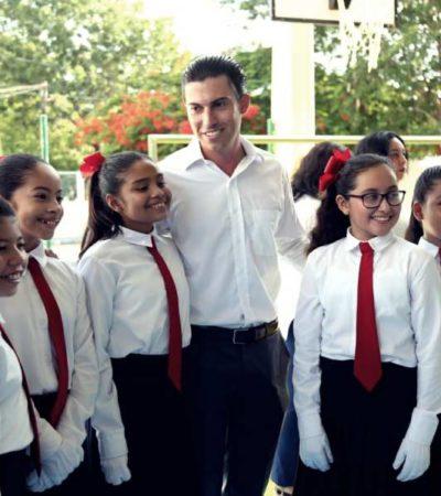 Inicia ciclo escolar en Cancún con apoyos del Ayuntamiento