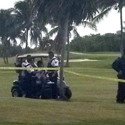 INÉDITO HALLAZGO EN ZONA HOTELERA: Localizan cuerpo de una persona cuando era devorado por cocodrilos frente a campo de golf en Cancún