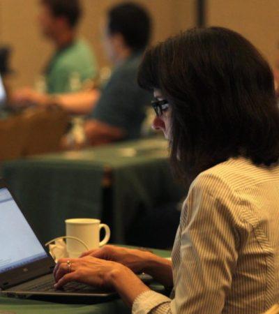 Promueven que más de mil 600 jóvenes que se quedaron sin espacio en la preparatoria, continúen sus estudios en línea