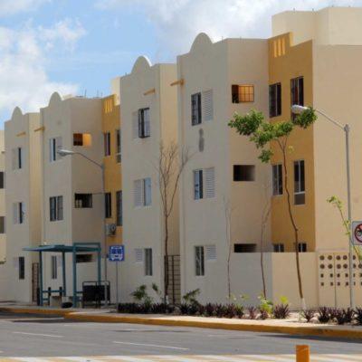 """Políticos y activistas califican de """"aberrante"""" la Ley de Asentamientos Humanos que permitirá la construcción de casa de interés social más pequeñas que las actuales y que fue promovida por Juan Carlos Pereyra"""
