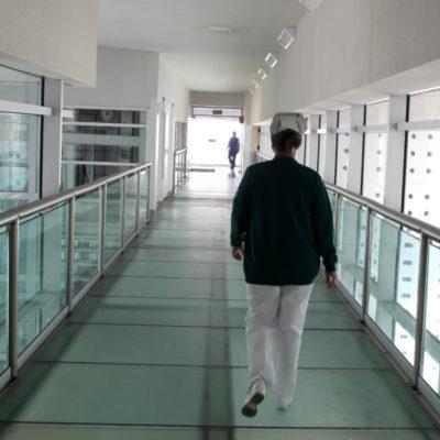 Gobierno de QR destituye e inhabilita a médicos y enfermeras por no presentar su declaración patrimonial