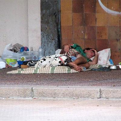 Prenden fuego a indigente mientras dormía en Misantla, Veracruz; sufrió quemaduras de tercer grado en 60% de su cuerpo
